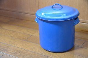 味噌の容器