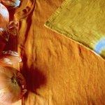 玉ねぎ染めの布、タンクトップ
